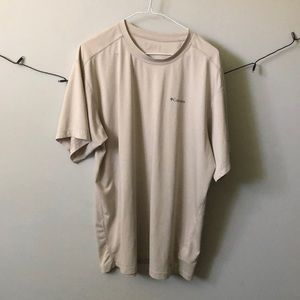 10 pieces for 50$ Columbia T-shirt